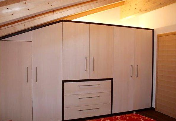 m bleschreinerei michael gscho mann bischofswiesen innenausbau fenster und t ren. Black Bedroom Furniture Sets. Home Design Ideas